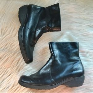 Aerosoles low boots 6.5 speartint booties